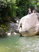 Im Pico Bonito Nationalpark finden sich viele Naturschwimmbecken, La Ceiba/Honduras.