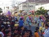 Der Karneval in La Ceiba/Honduras findet im Mai statt.